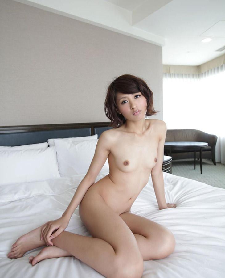 可愛い子の全裸ヌード 1