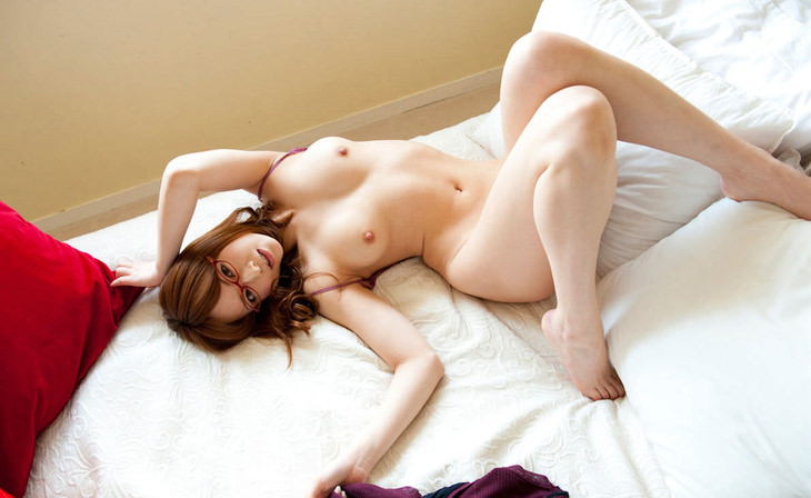 可愛い子の全裸ヌード 3
