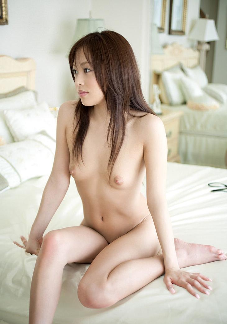 可愛い子の全裸ヌード 7
