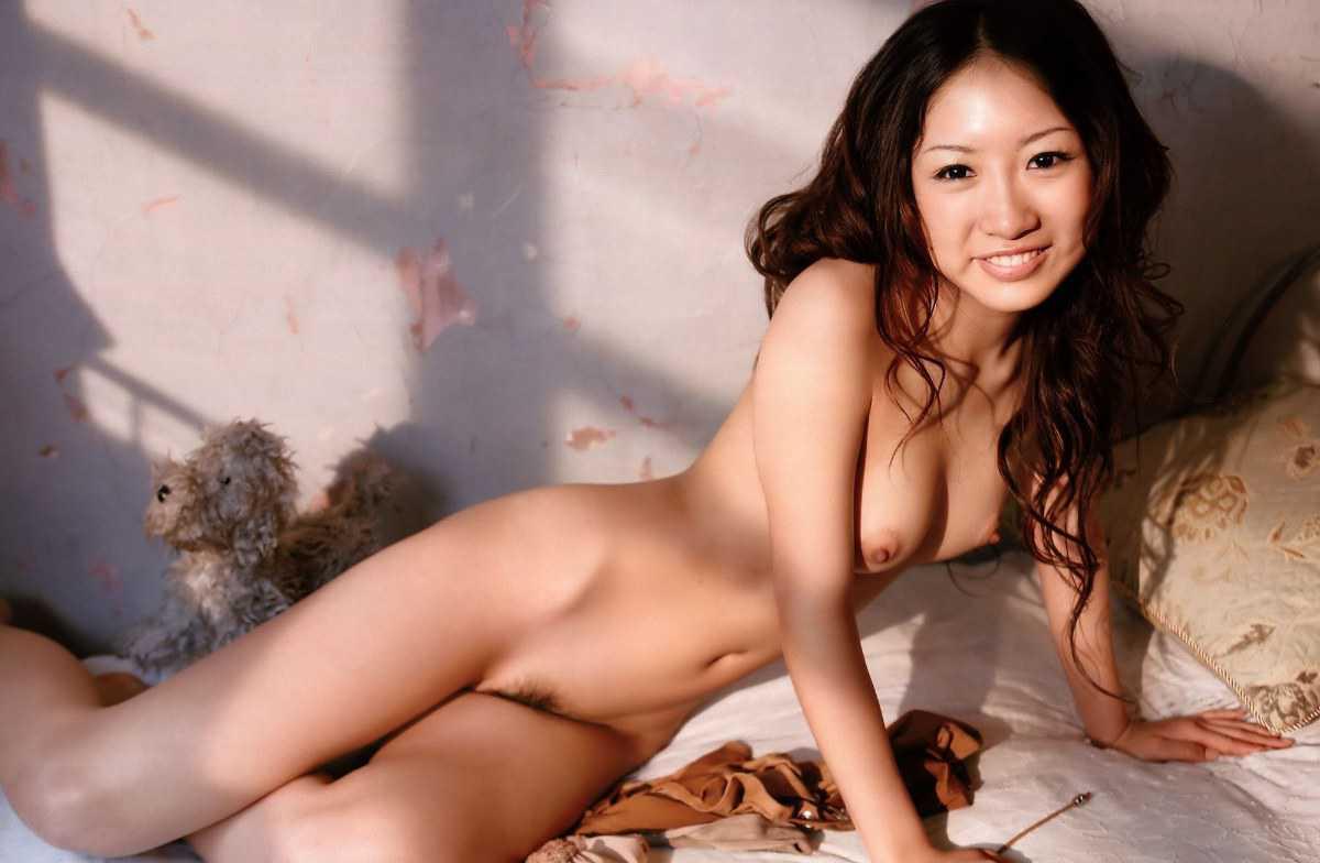 可愛い子の全裸ヌード