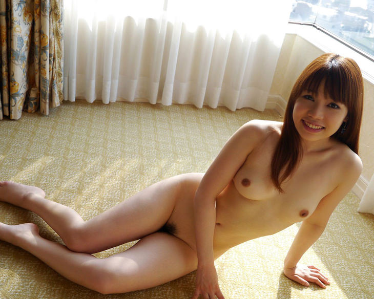 可愛い子の全裸ヌード 29