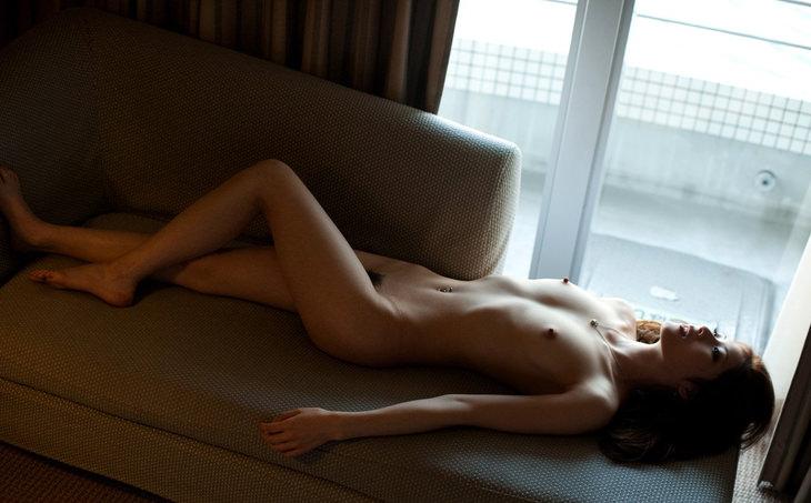 可愛い子の全裸ヌード 35