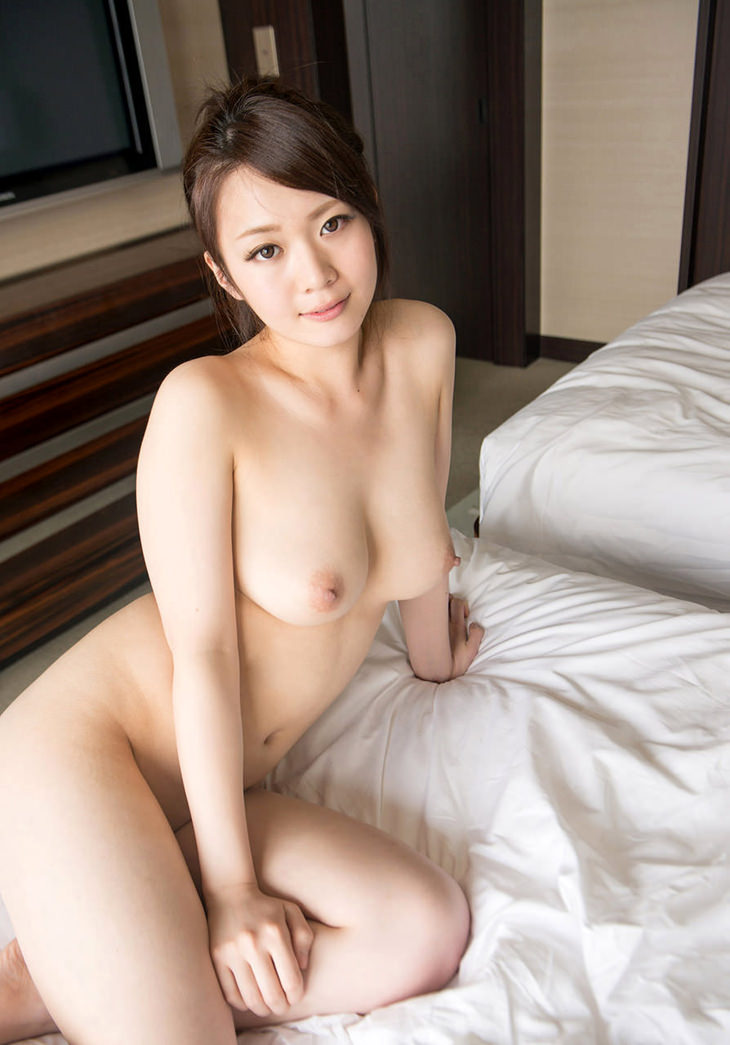 可愛い子の全裸ヌード 36