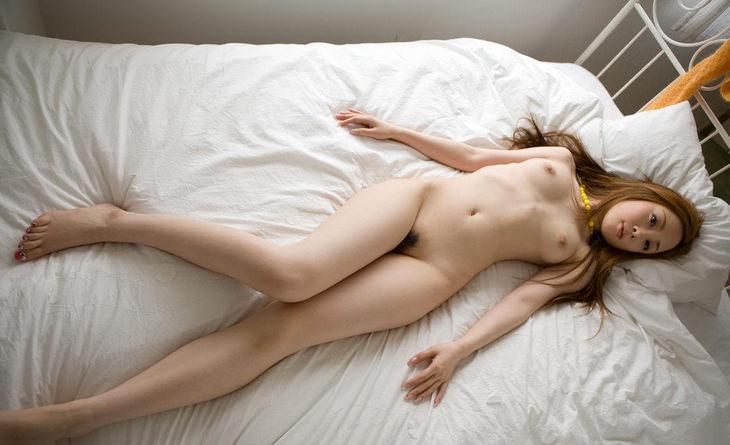可愛い子の全裸ヌード 45