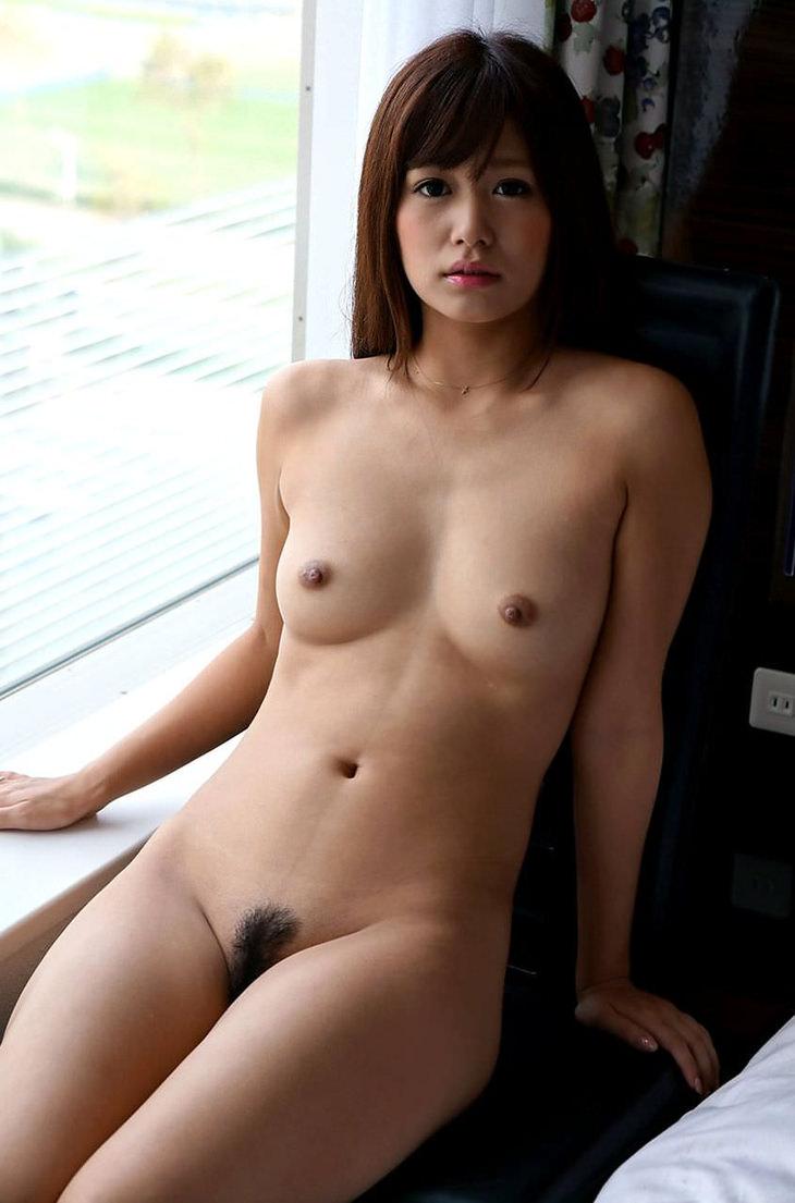 可愛い子の全裸ヌード 46