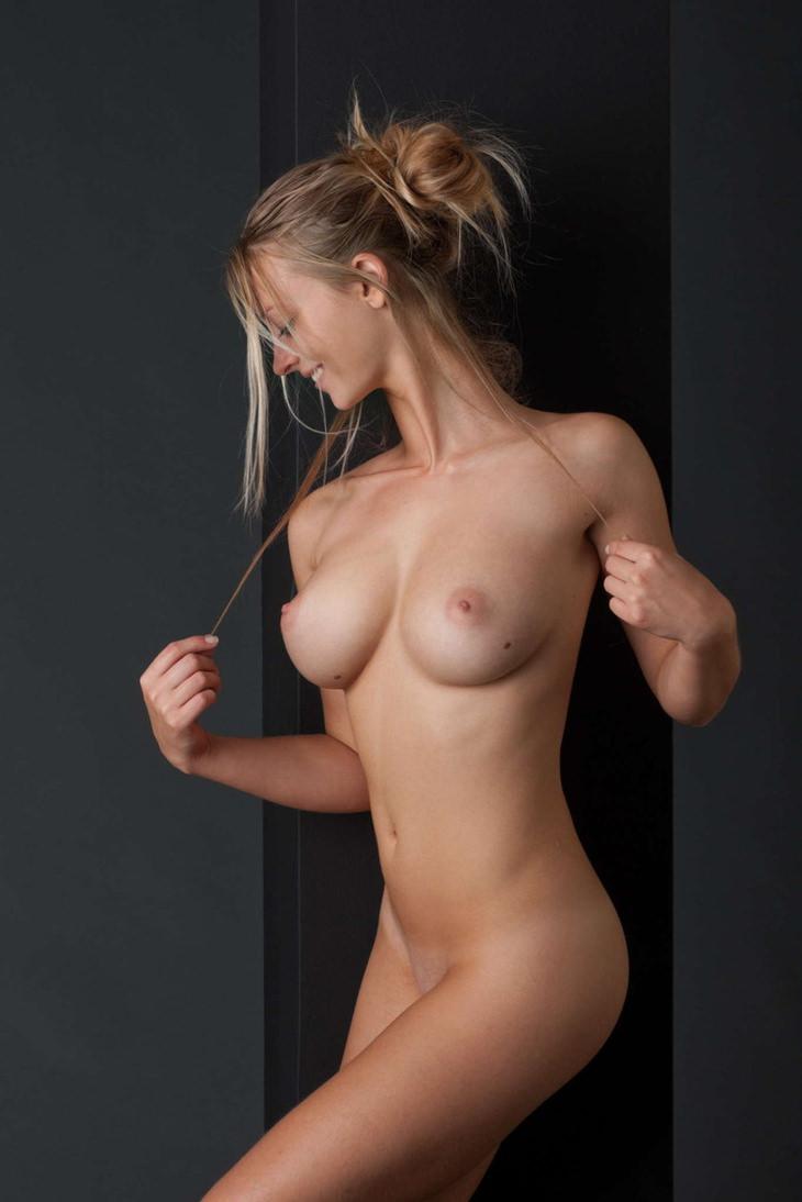 ロケット乳の外国人美女 2