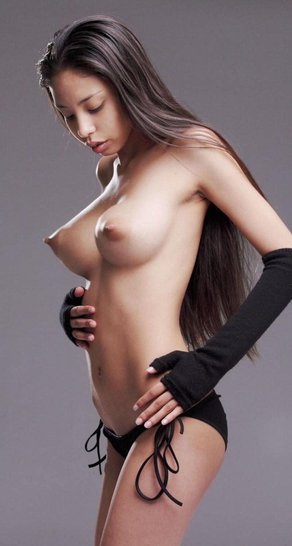 ロケット乳の外国人美女 22