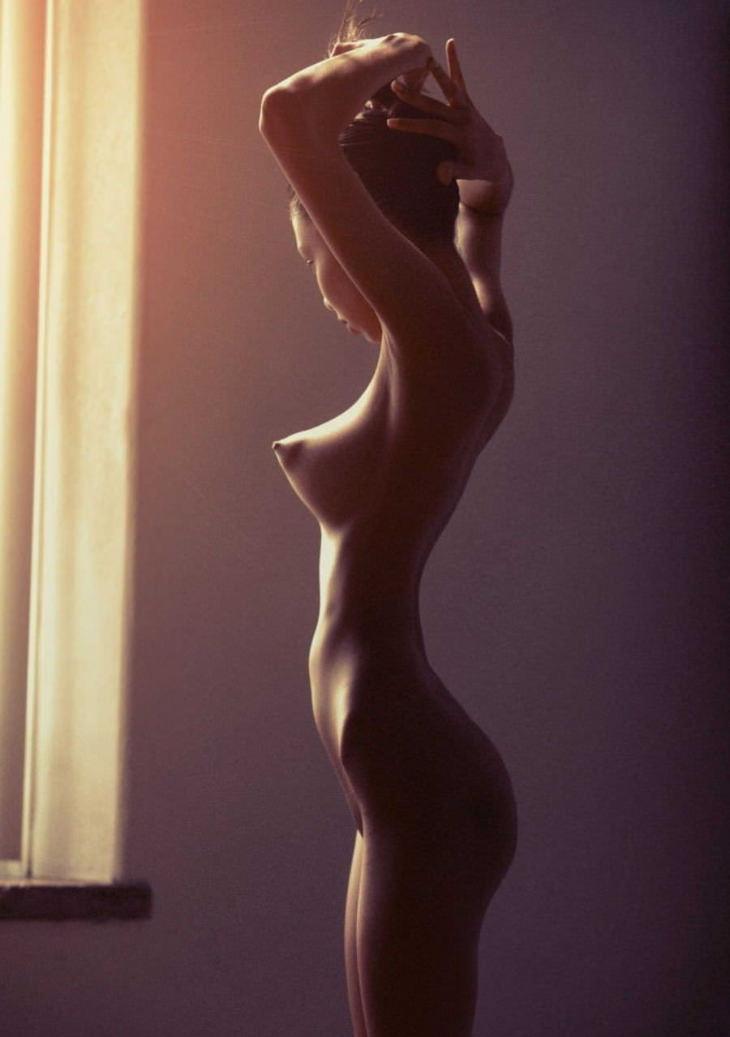 ロケット乳の外国人美女 25