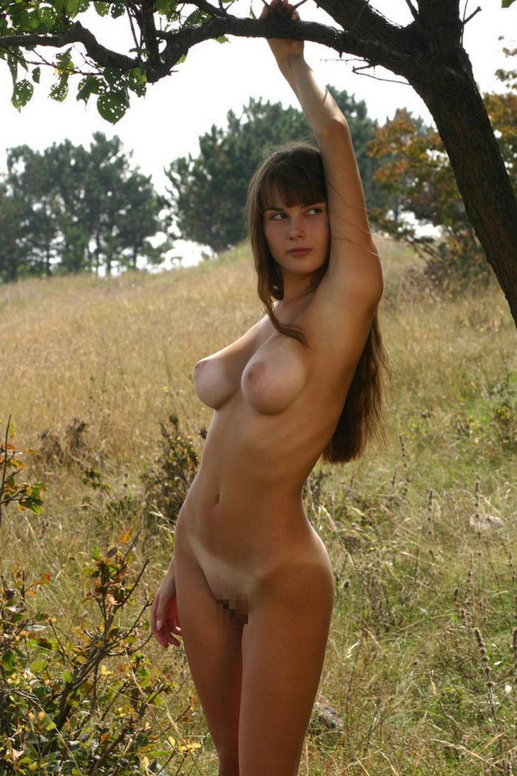 ロケット乳の外国人美女 38