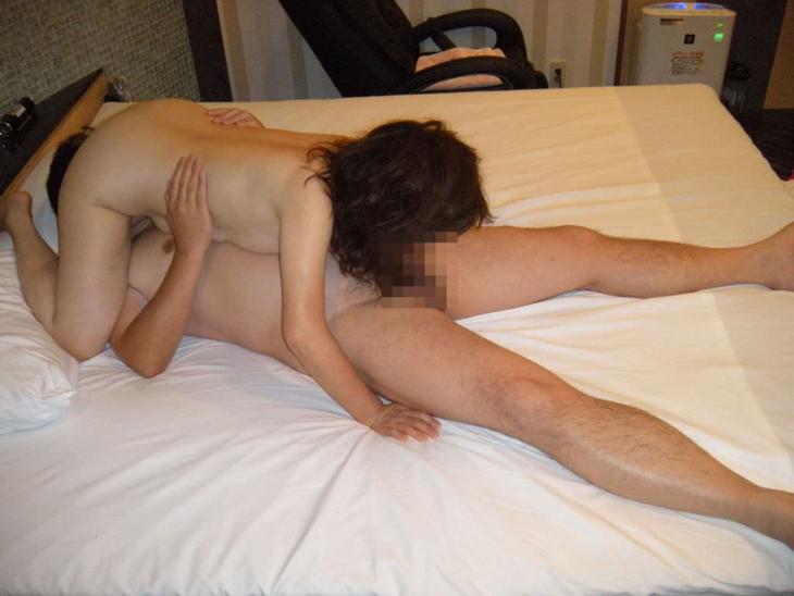 熟女のシックスナイン 3