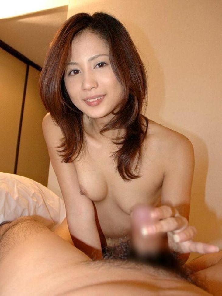 熟女の手コキ 22