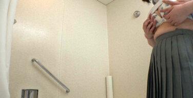 【陸上部の先輩と一緒にシャワー!?】盗撮・陸上部女子【Gカップ】
