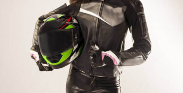 【画像】バイク女子さん、エッチなメンテナンスをしてしまうwwwwwwwwwwwwwwwwwwwww