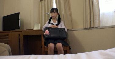 【個人撮影】小さすぎるJ○ 身長144cm イヤイヤするちびっ子に重量級の種付けプレス ララちゃん 工藤ララ