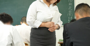声が出せない絶頂授業で10倍濡れる人妻教師 折原ゆかり